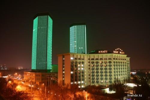 Совсем немного ночного города Алматы (район цирка)