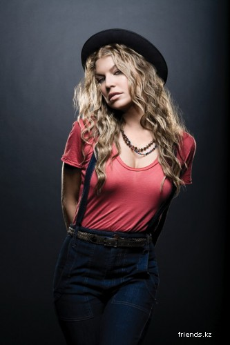 Stacy Ferguson (Fergie)