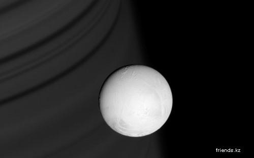 Энцелад - спутник Сатруна