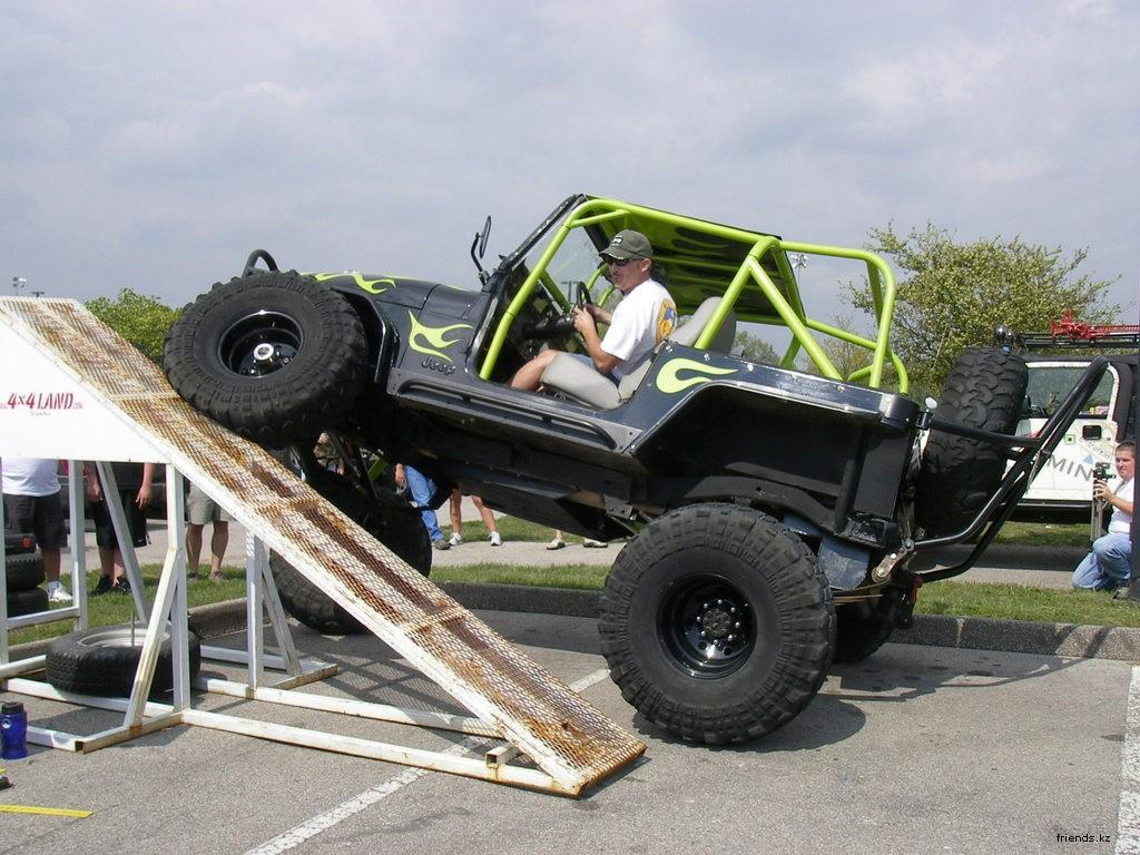 Да, с такими колесами где-угодно проехать можно ) Конструкция подвески