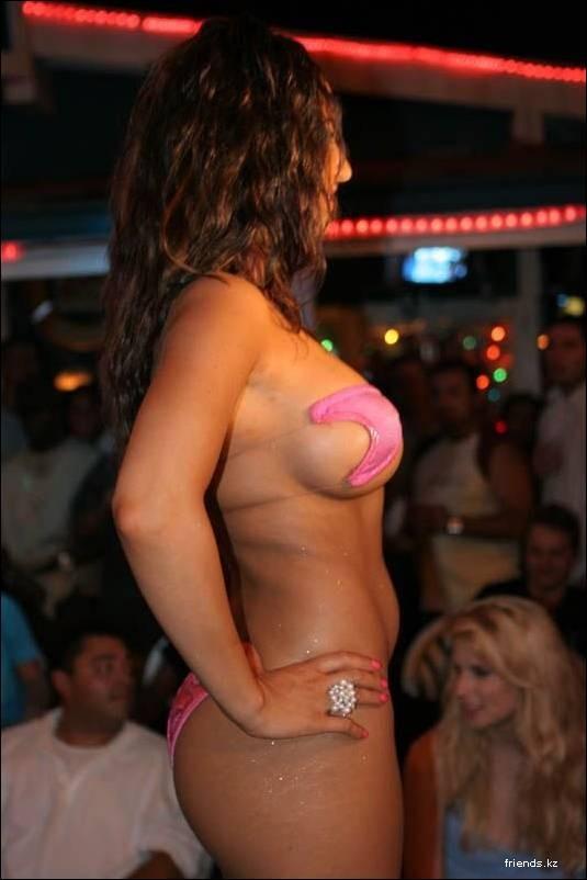 случайные обнажения на конкурсе бикини фото