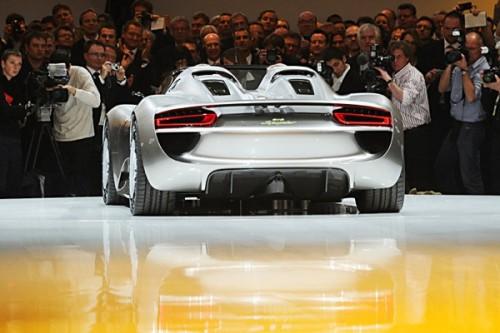 80-й Международный автосалон в Женеве 2010 года