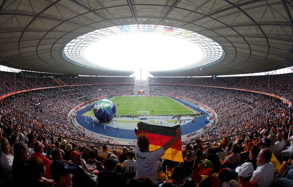 Выйграла чемпионат мира по футболу 2011