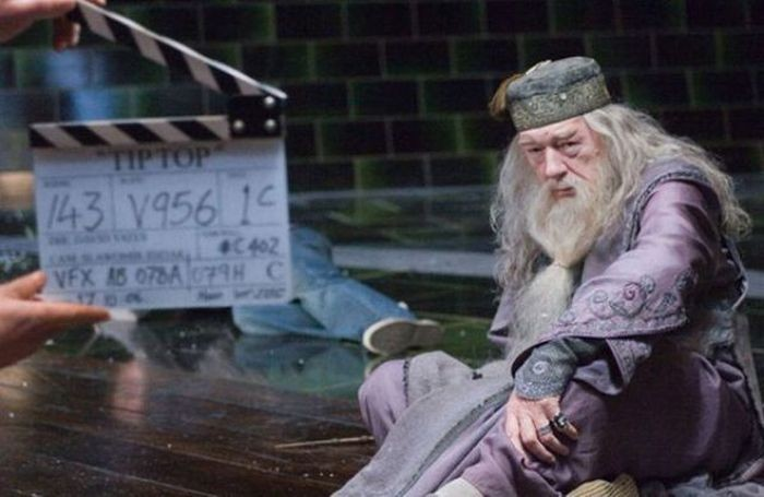 http://friends.kz/uploads/posts/2011-10/1318071399_awesome_behindthescenes_harry_potter_51.jpg