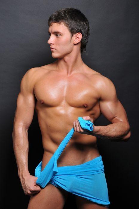 Мужчины с голыми торсами фото