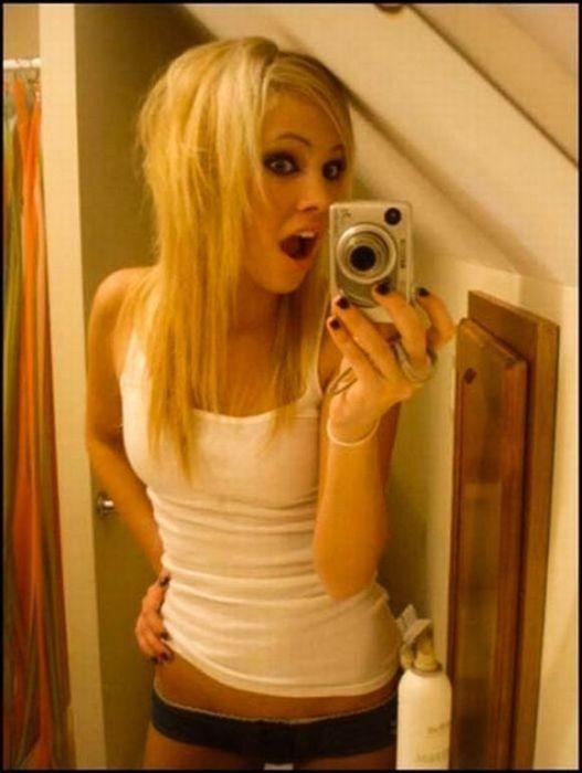 домашние фото девушек блондинок с телефона в белье