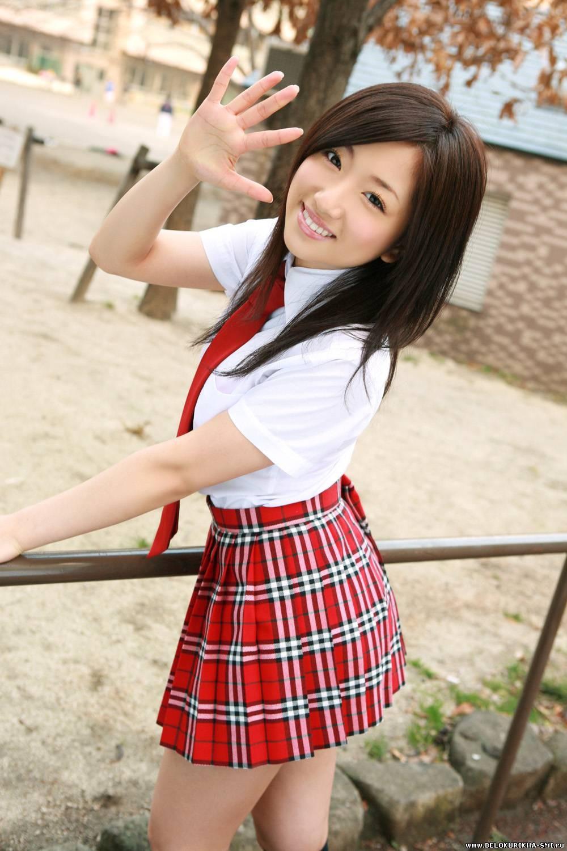 Фото красивых японок под юбками 13 фотография