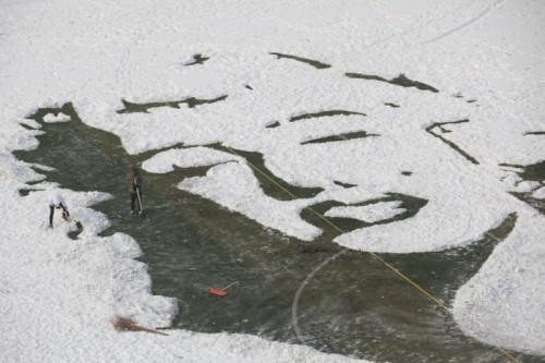 Студенты нарисовали портрет Мэрилин Монро на снегу